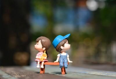 Mικρόκοσμος - Kούκλες - Mωρά